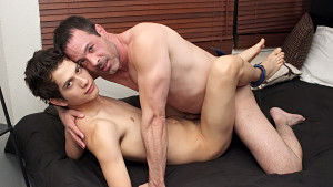 Gay Mature and Boys : A Rentboy With Little Flavor - Bang Me Sugar Daddy!