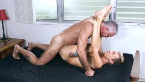 Gay Mature and Boys : The gay boy Houseboy Earns His Money - Bang Me Sugar Daddy!