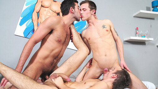 A Straight Boy Gets An Unexpected Threesome!